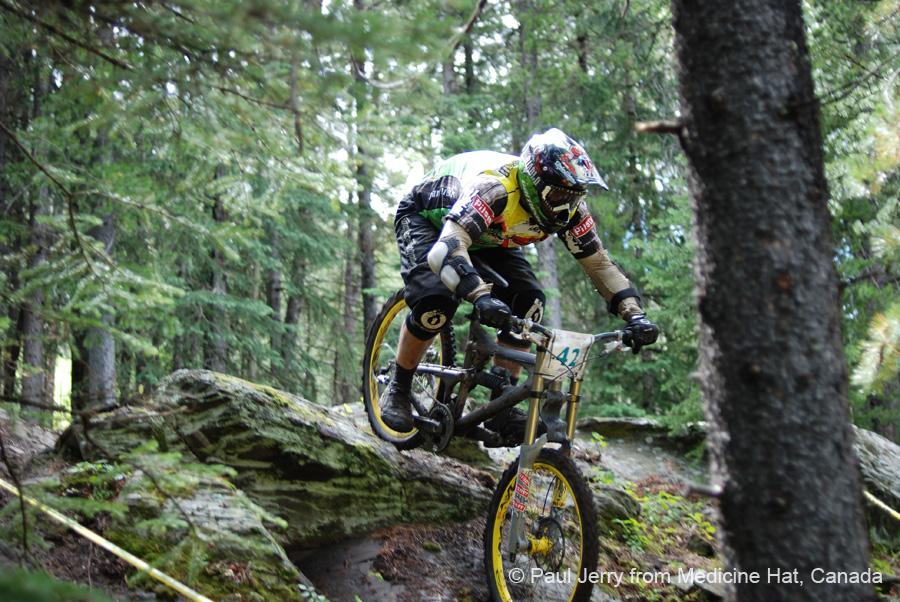 Mountain_bike_in_downhilljp