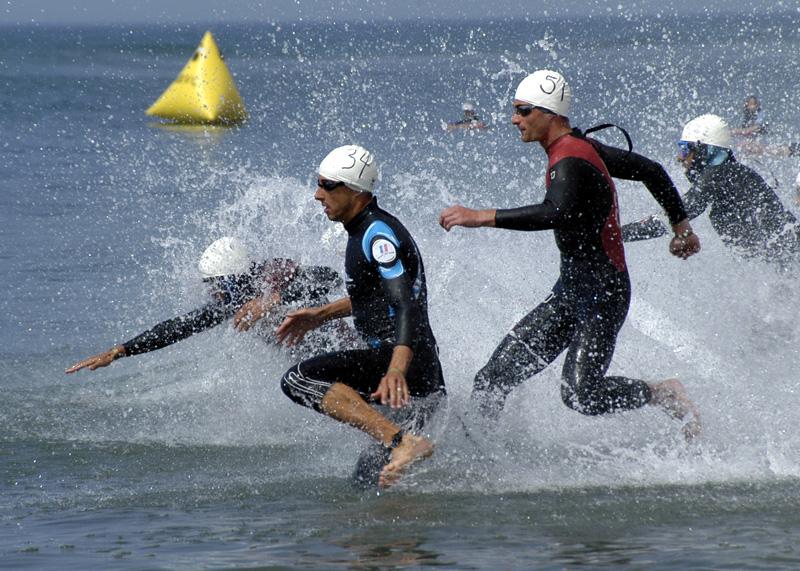 Triathlon,_swimming_wikimedia